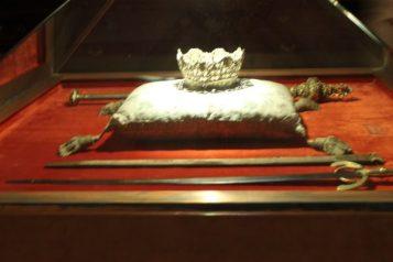 Coroana si sceptrul reginei Isabela de Castilia si sabia regelul Ferdinand de Aragon, Granada, Spania