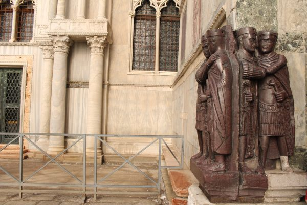 Copia statuii de porfir a tetrarhilor, venetia