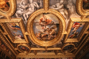Venetia primind palaria dogelui de la Jupiter (stanga)