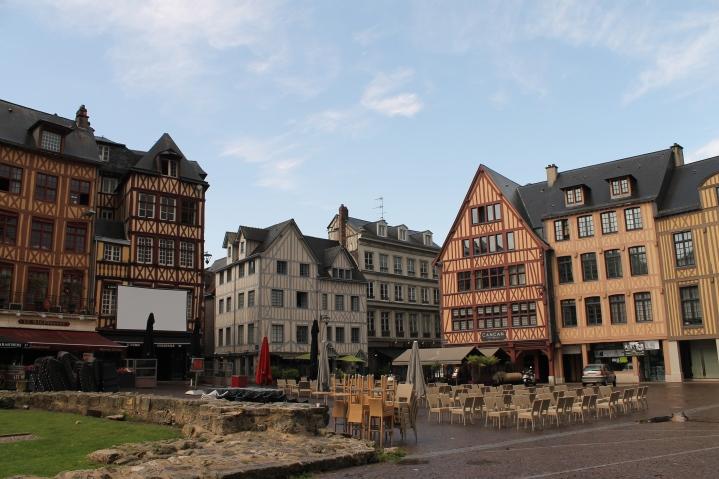 Case din secolele XVII-XVIII
