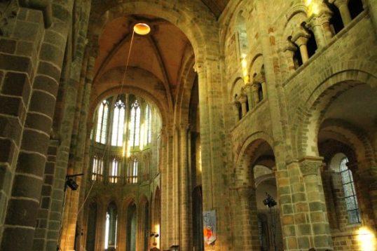 Biserica de pe Muntele Saint Michel, Franta, interior