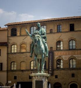 Cosimo I de Medici, statuie in Piazza della Signoria, Florenta