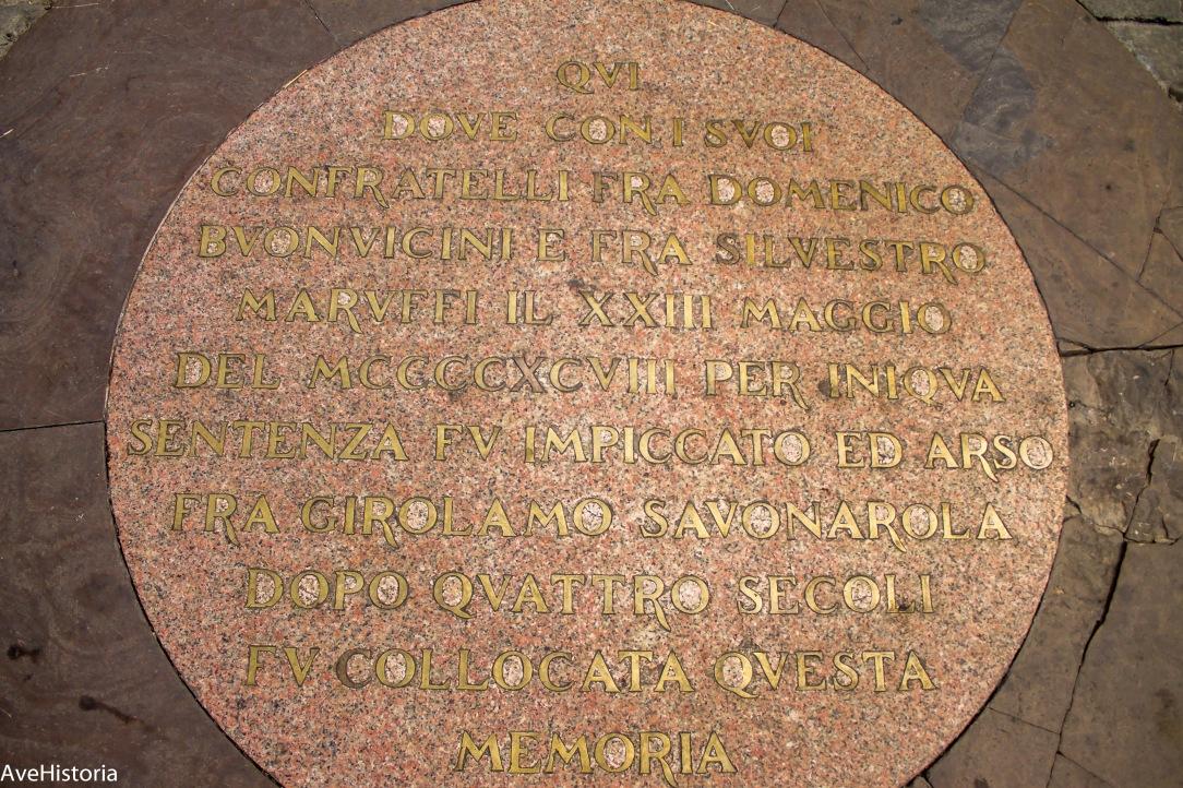 Lespedea comemorativa a locului unde Savonarola a fost ars pe rug