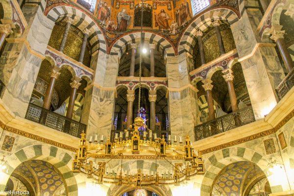 Candelabrul domului din Aachen