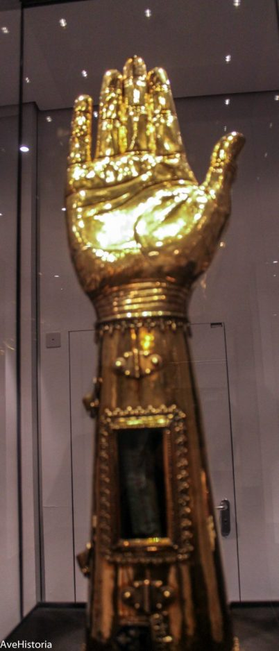 Antebratul lui Charlemagne, Aachen