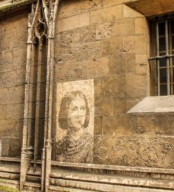 Portretul Ioanei d'Arc pe zidul catedralei din Rouen