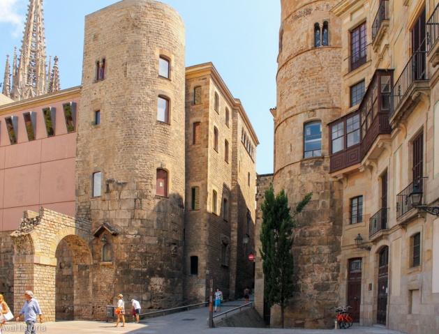 Cele două turnuri din cele 78 ale zidului roman de aparare. Barcelona