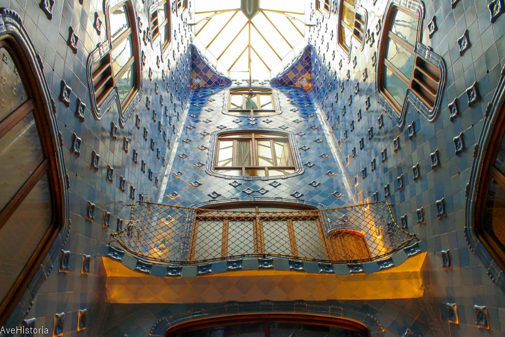 Casa Batllo, interior, atrium, Barcelona