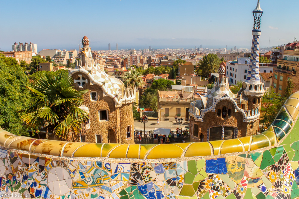 Esplanada, Park Guell, Barcelona