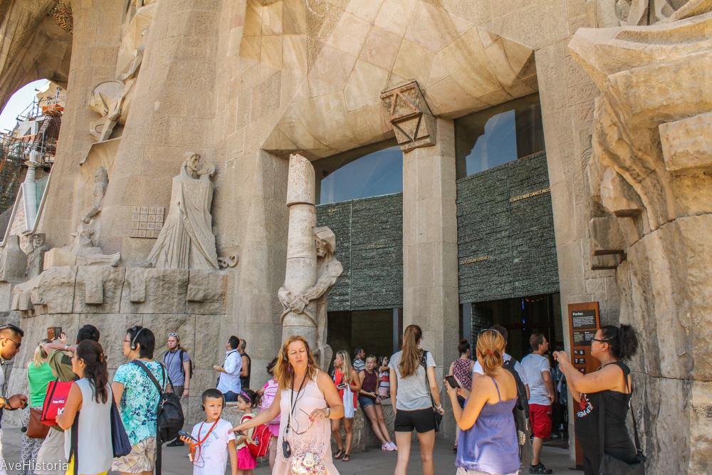 Fatada crucificarii lui Iisus, Sagrada Familia, Barcelona