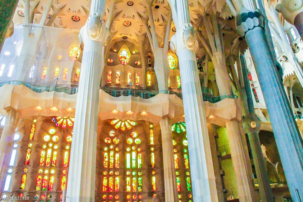 Sagrada Familia, interior, vitralii