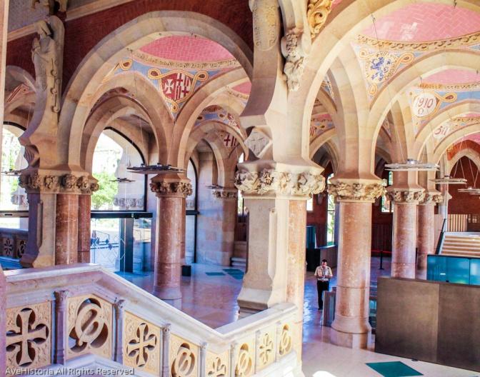 Hospital de la santa creu , interior