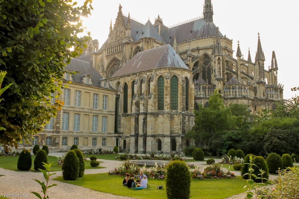 Notre-Dame de Reims, fațada estică a catedralei